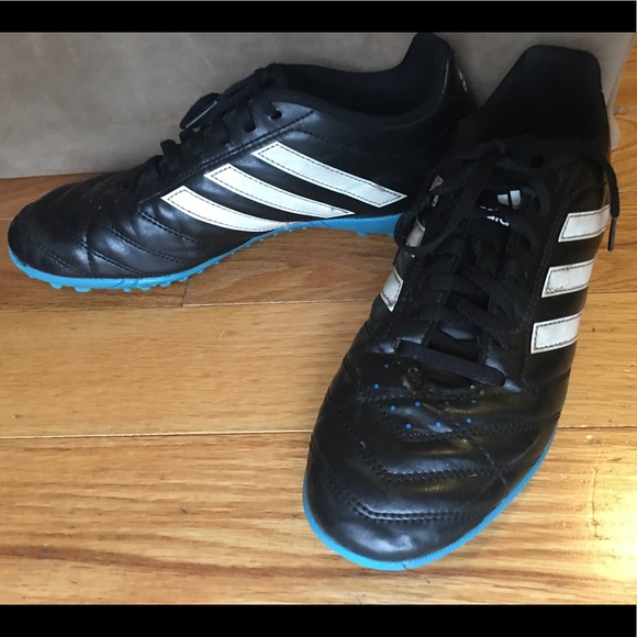 30a1863913d adidas Other - Boys Adidas Traxion turf cleats